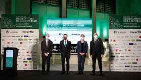 De izquierda a derecha, Isaias Táboas, presidente de Renfe; Pedro J. Ramírez, director y presidente ejecutivo de EL ESPAÑOL; Hélène Valenzuela, directora de Ouigo en España; y Fabrizio Favara, CEO de Ilsa.