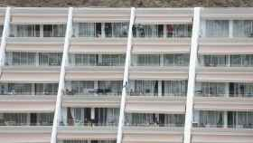 Inmigrantes guardan cuarentena en el hotel Holiday Inn Puerto Calma.