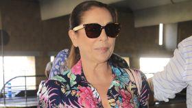 Isabel Pantoja en el aeropuerto de Jerez de la Frontera en septiembre de 2018.