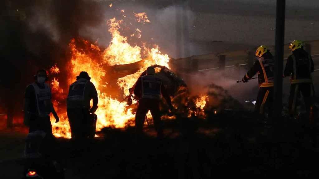 Grosjean sobrevive entre las llamas a un terrible accidente en la F1