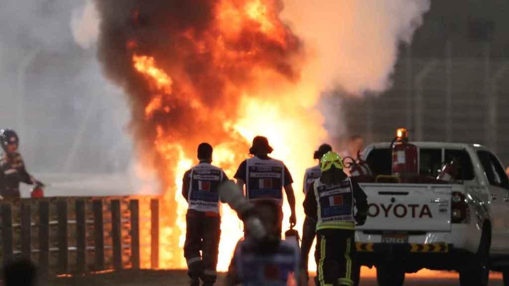 Así fue el espectacular incendio tras el accidente de Romain Grosjean en el GP de Bahrein