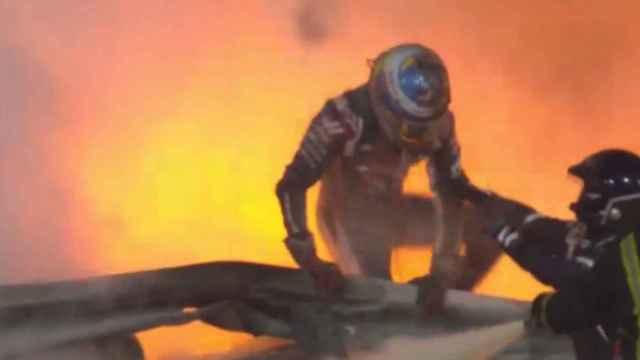 Grosjean salta la barrera entre las llamadas tras salir por su propio pie del monoplaza