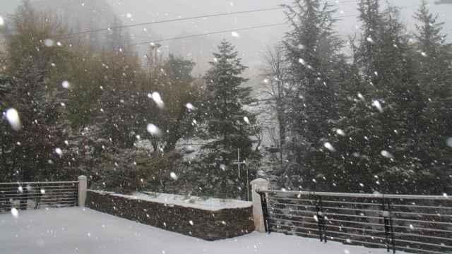 Sierra Nevada cubierta de nieve. CETURSA.