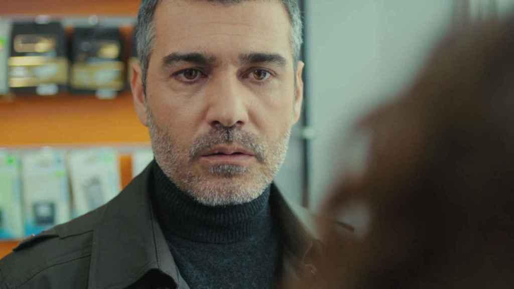 Caner Cindoruk interpreta a Sarp en 'Mujer'.