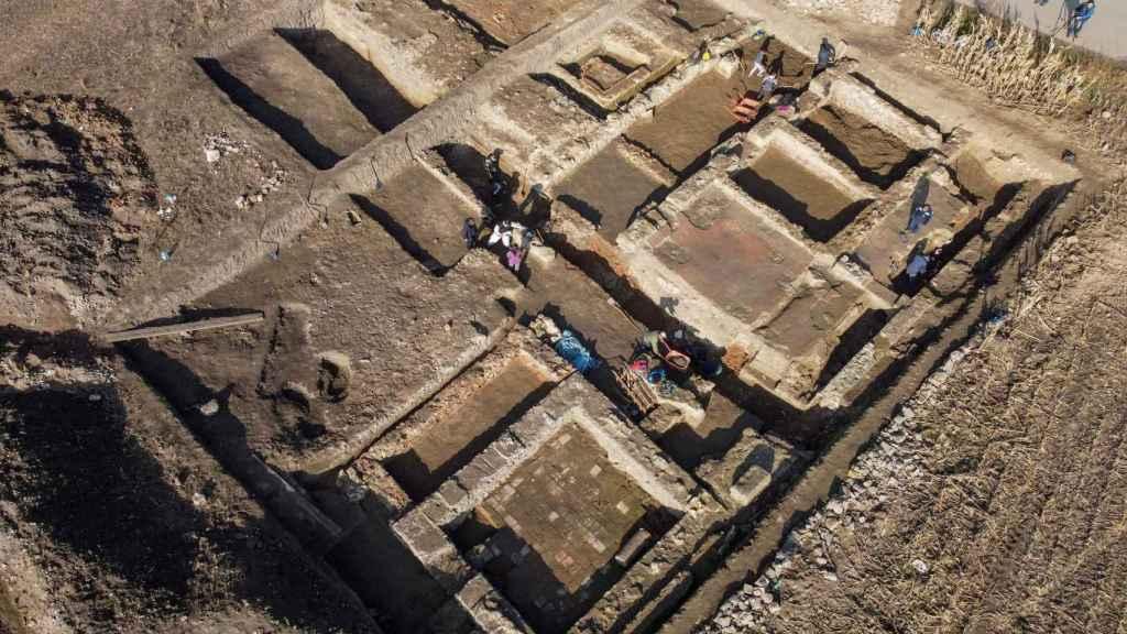 Imagen aérea de la base militar romana.