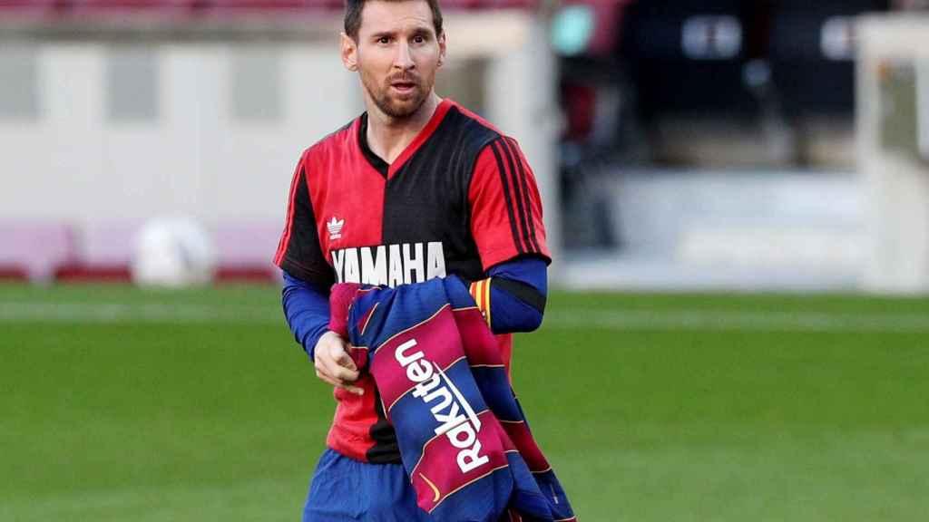 Leo Messi, con la camiseta de Newell's de Maradona