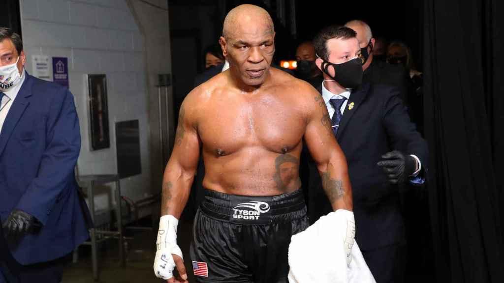 El boxeador estadounidense Mike Tyson, en su vuelta al ring