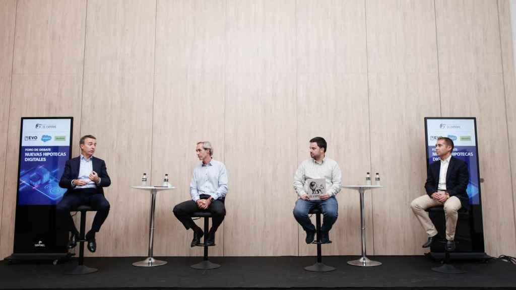 Enrique Polo de Lara, Spain Country Leader & Senior VP de Salesforce, Enrique Tellado, director general de EVO, Arturo Criado, redactor jefe de Invertia y Juan Villén, director de idealista/hipotecas