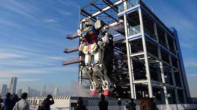 El robot gigante 'Gundam' ha sido completado