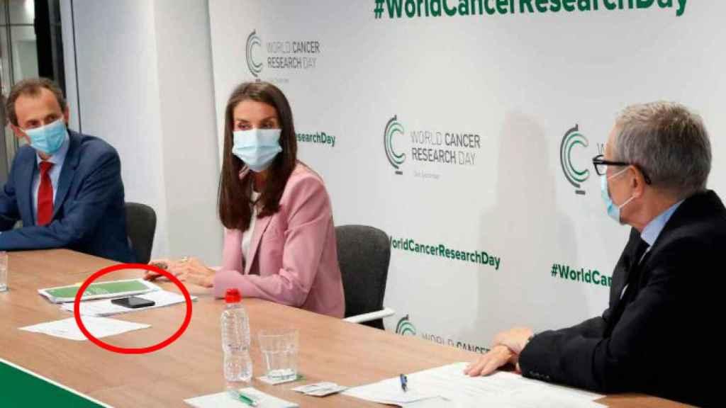 Letizia leyó sus palabras en inglés desde su smartphone el pasado 24 de septiembre en el acto contra el cáncer.