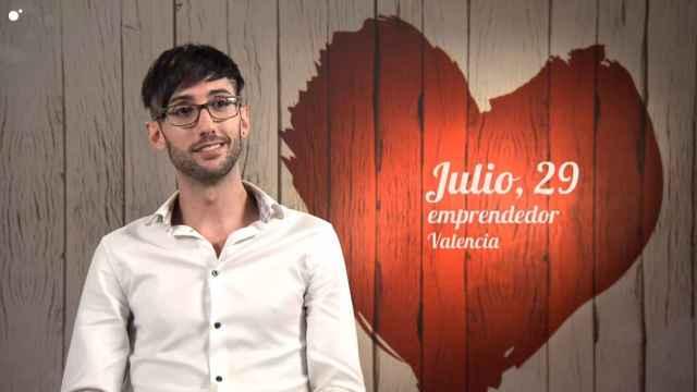 Julio y Esteban han tenido una peculiar cita en 'First Dates'.