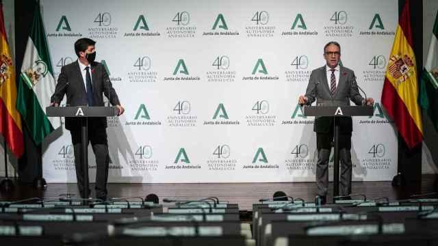El vicepresidente de la Junta de Andalucía, Juan Marín, y el consejero de Presidencia, Elías Bendodo.