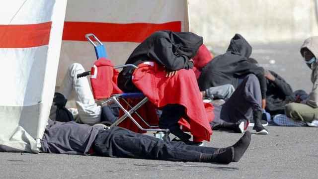 Otra crisis de acogida en Canarias: el problema del control migratorio