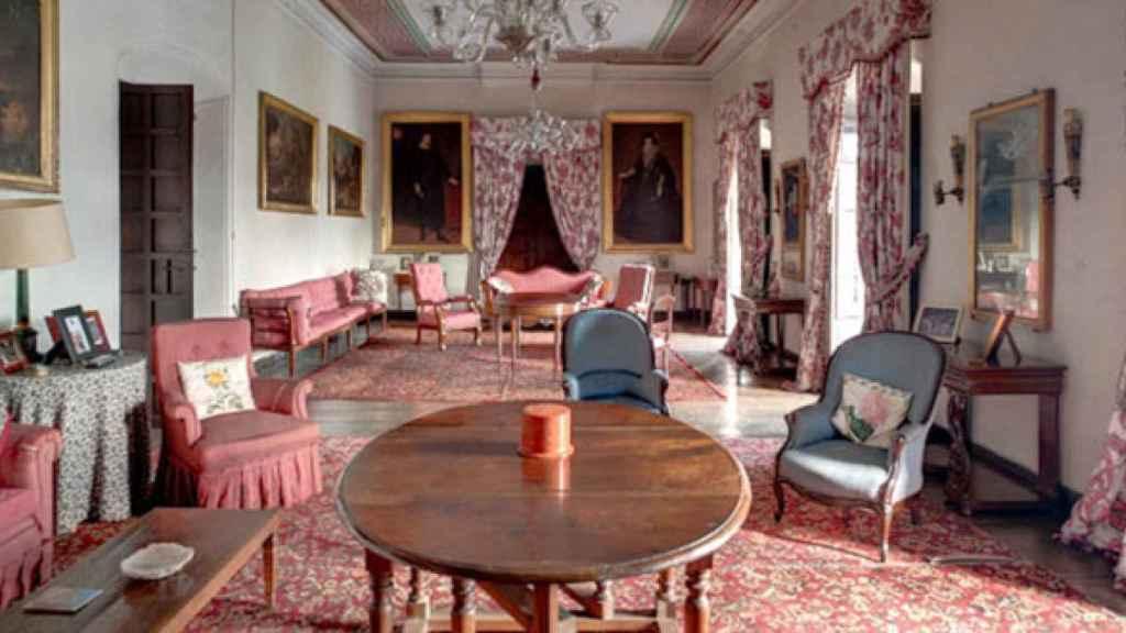 El espectacular y palaciego salón de la casa asturiana.