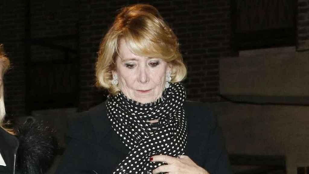 Esperanza Aguirre a su llegada al funeral de su suegra.