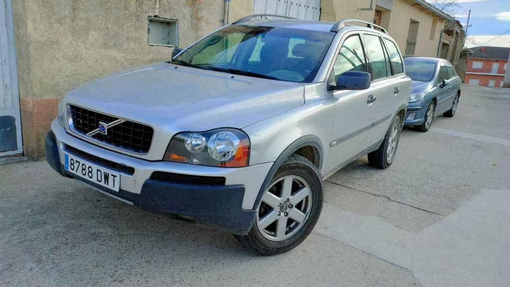 El coche de 'el Gallo' seguía aparcado frente al colegio 24 horas después de la agresión.