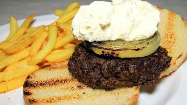 Alfredo's Barbacoa, así puedes hacer la mítica hamburguesa de queso Philadelphia en casa