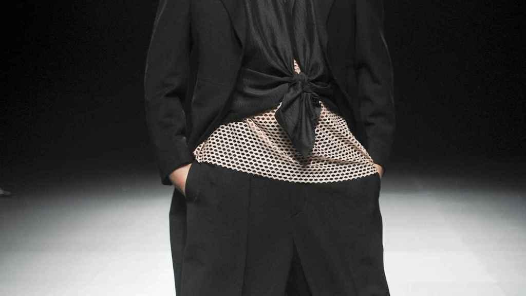 El bailaor Rafael Amargo desfilando en Mercedes-Benz Fashion Week Madrid.