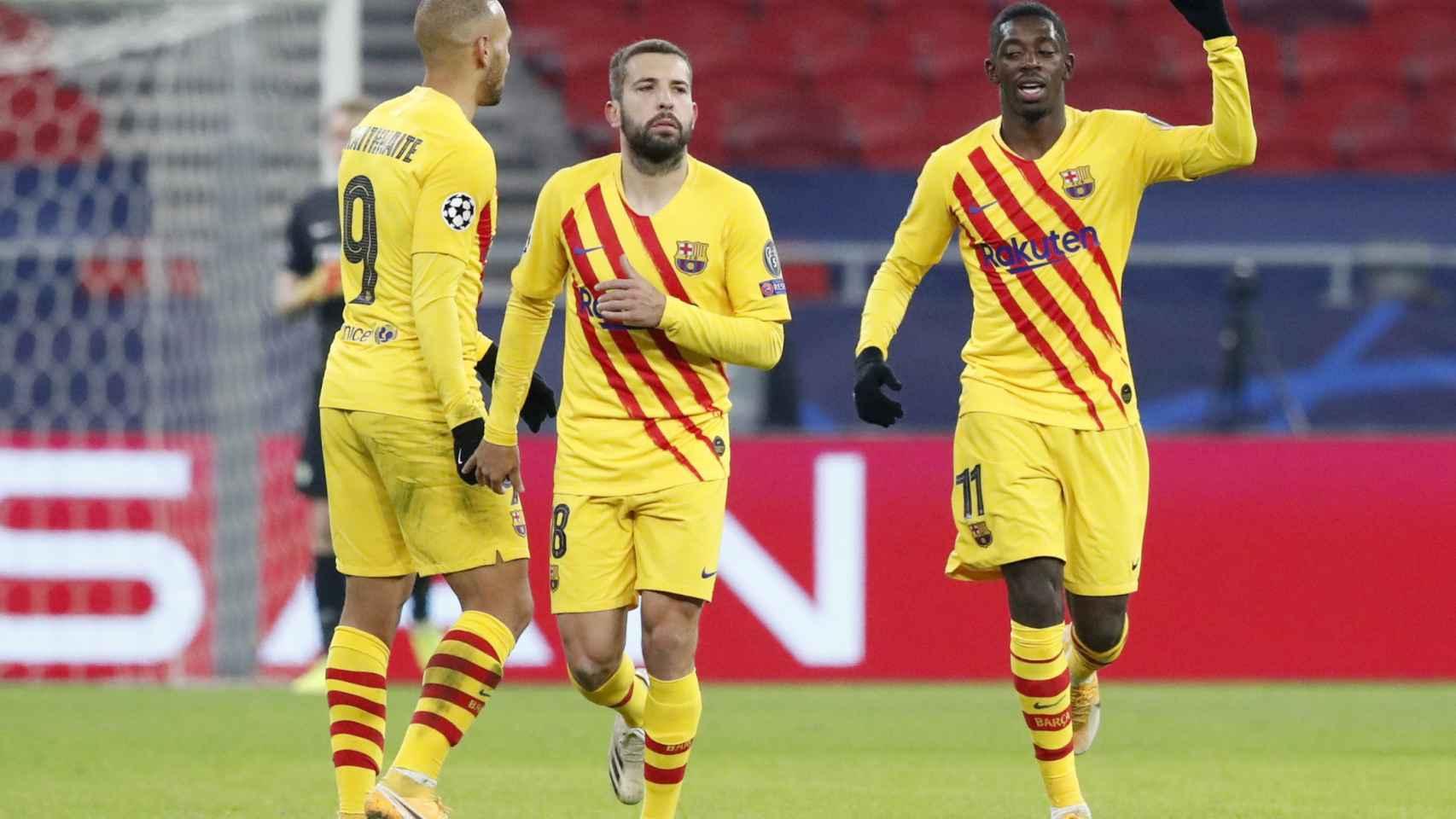 Ousmane Dembélé celebra su gol de penalti en la Champions League
