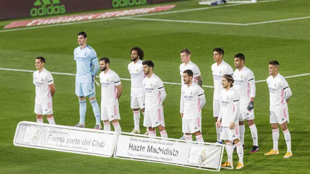 Los jugadores del Real Madrid posando antes de un partido de La Liga en el Alfredo Di Stéfano