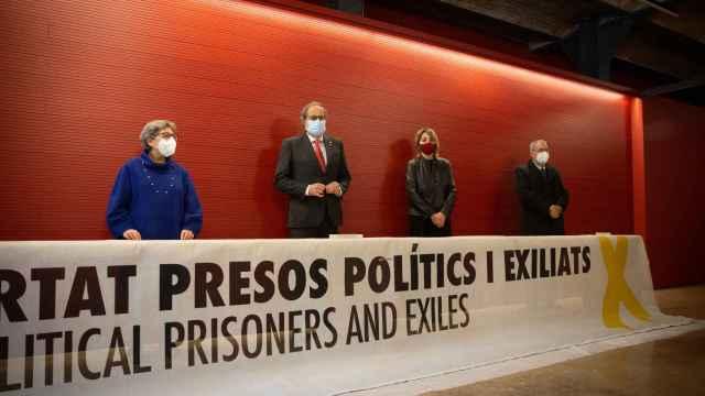 Torra durante la entrega de la pancarta en el Museo de Historia de Cataluña.