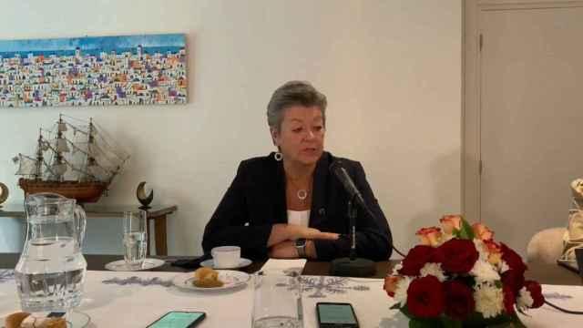 La comisaria de Interior discute con Marruecos ayuda financiera y ofrece visados.