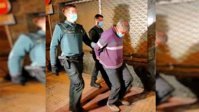 Este es Alberto 'El Gallo', el agricultor que atacó con un destornillador a la jueza por 1.000 € en costas