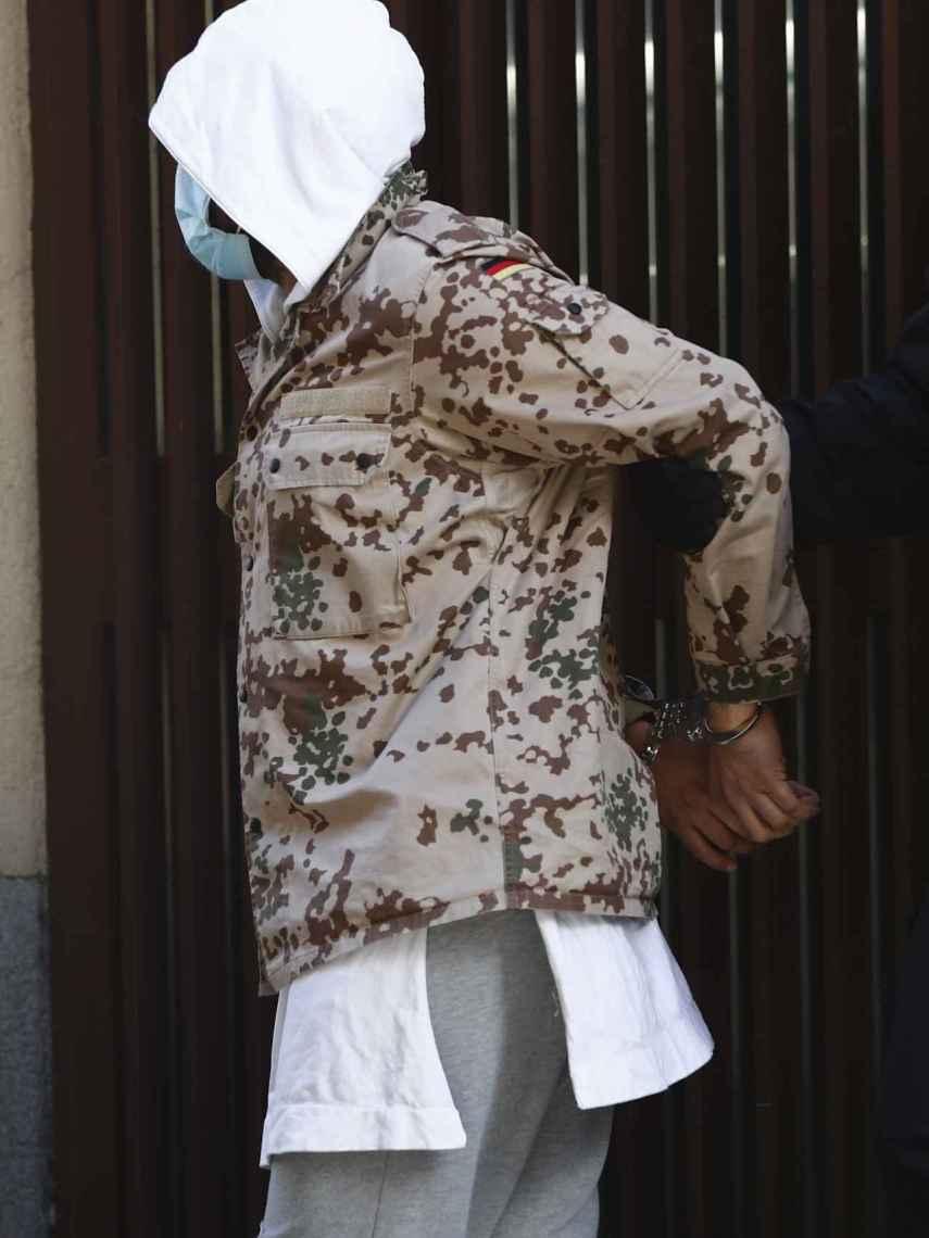 Rafel Amargo tras salir de la comisaría de Centro.