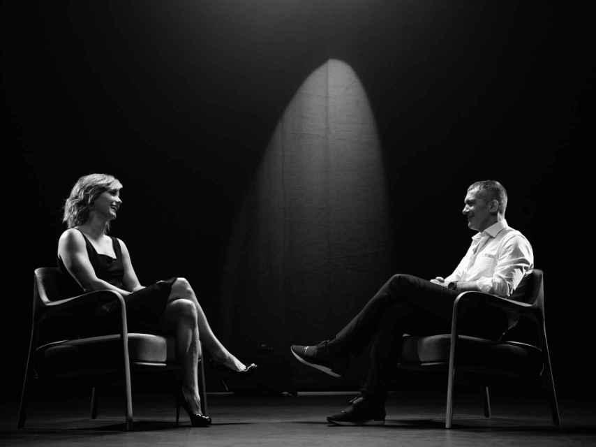 María Casado y Antonio Banderas durante su entrevista en 'Escena en blanco y negro'.