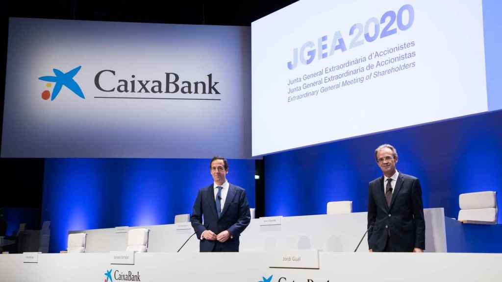 Jordi Gual, presidente de CaixaBank y Gonzalo Gortázar, consejero delegado.