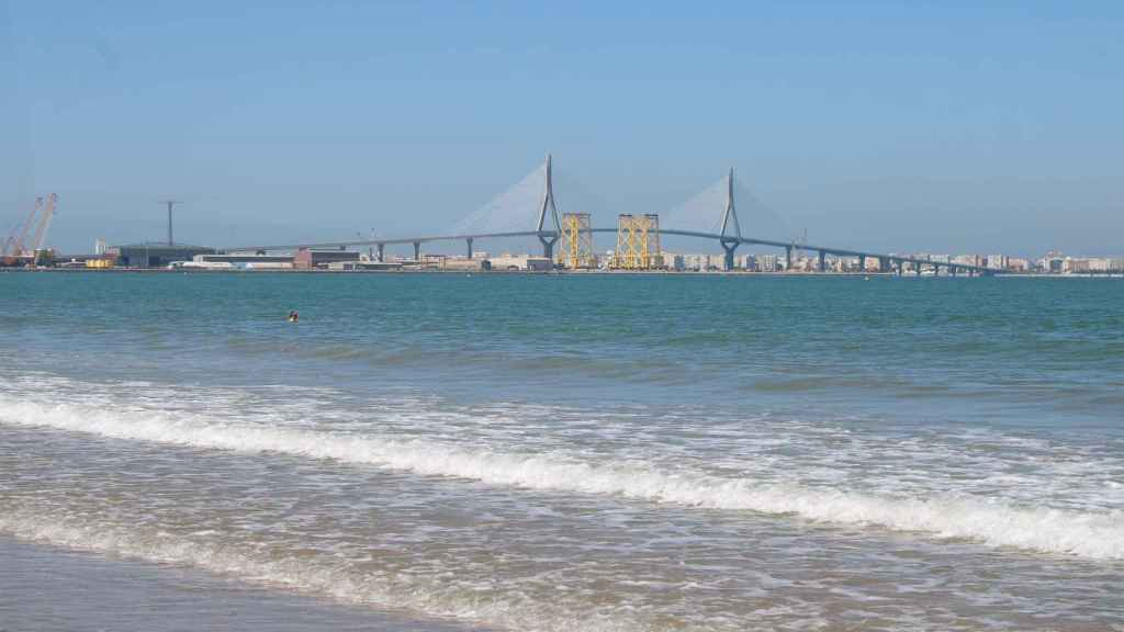 Puente de Cádiz visto desde El Puerto de Santa María.