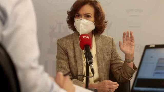La vicepresidenta primera, Carmen Calvo, este viernes en una entrevista en RNE.