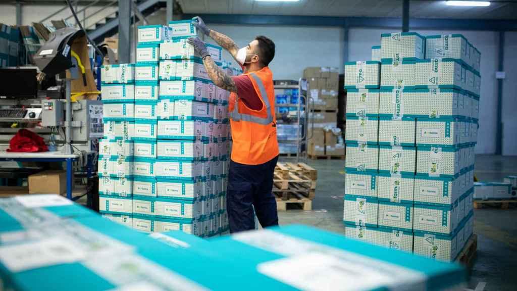 De los almacenes de la empresa salen una media de 4.000-5.000 pedidos al día.
