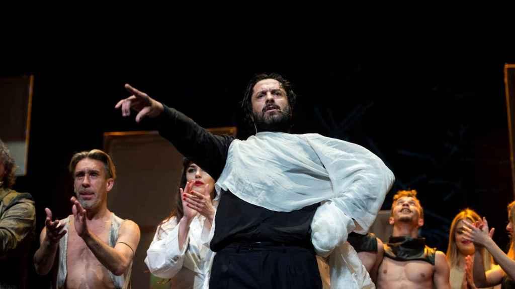 Rafael Amargo actúa durante la presentación de 'Yerma'.