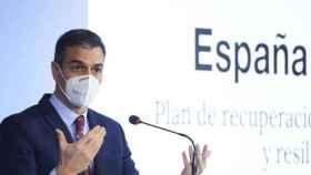Pedro Sánchez, en rueda de prensa este viernes en la Capilla del Seminario Mayor de Comillas, Cantabria
