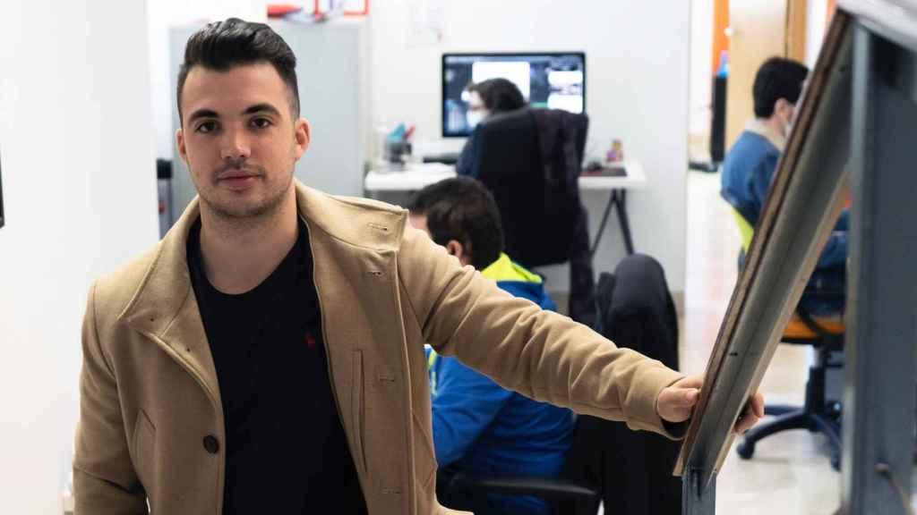 Daniel García, CEO de Daviescoin, en sus oficinas.
