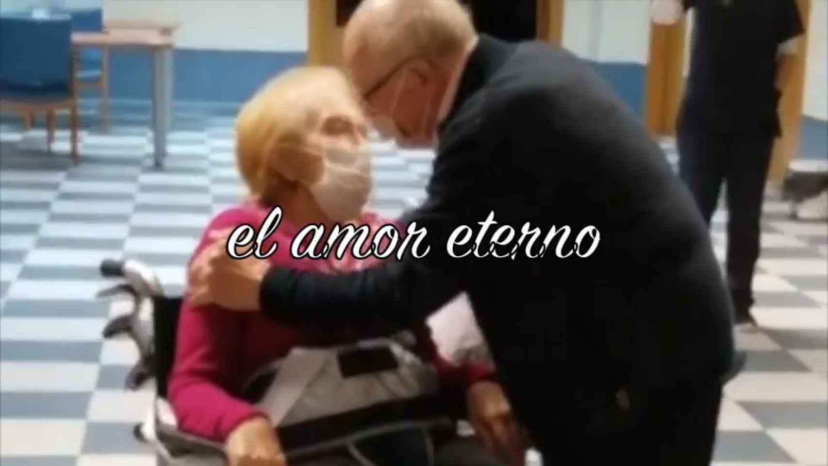 La sorpresa de Manuel a su mujer Dolores en la residencia.