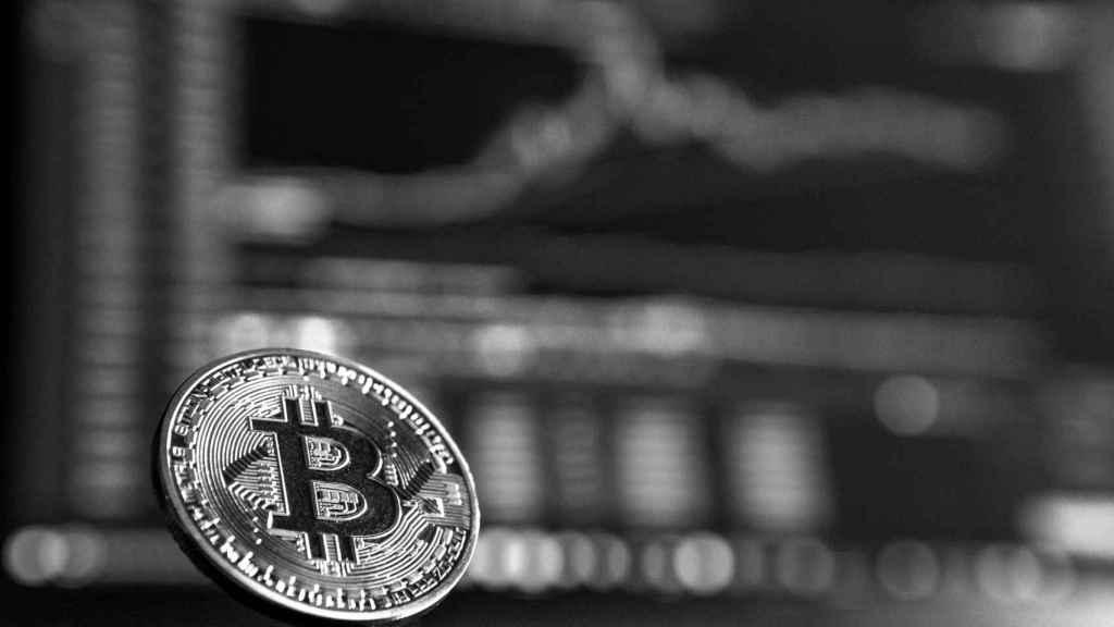 Bitcoin irrumpe en el orden mundial de las divisas