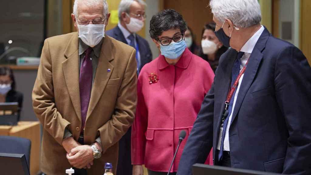 Josep Borrell y Arancha González Laya, este lunes durante la reunión de ministros de Exteriores de la UE