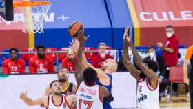 Calathes ante Olympiacos