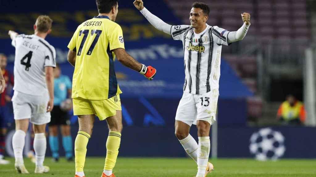 Buffon y Danilo celebran la victoria