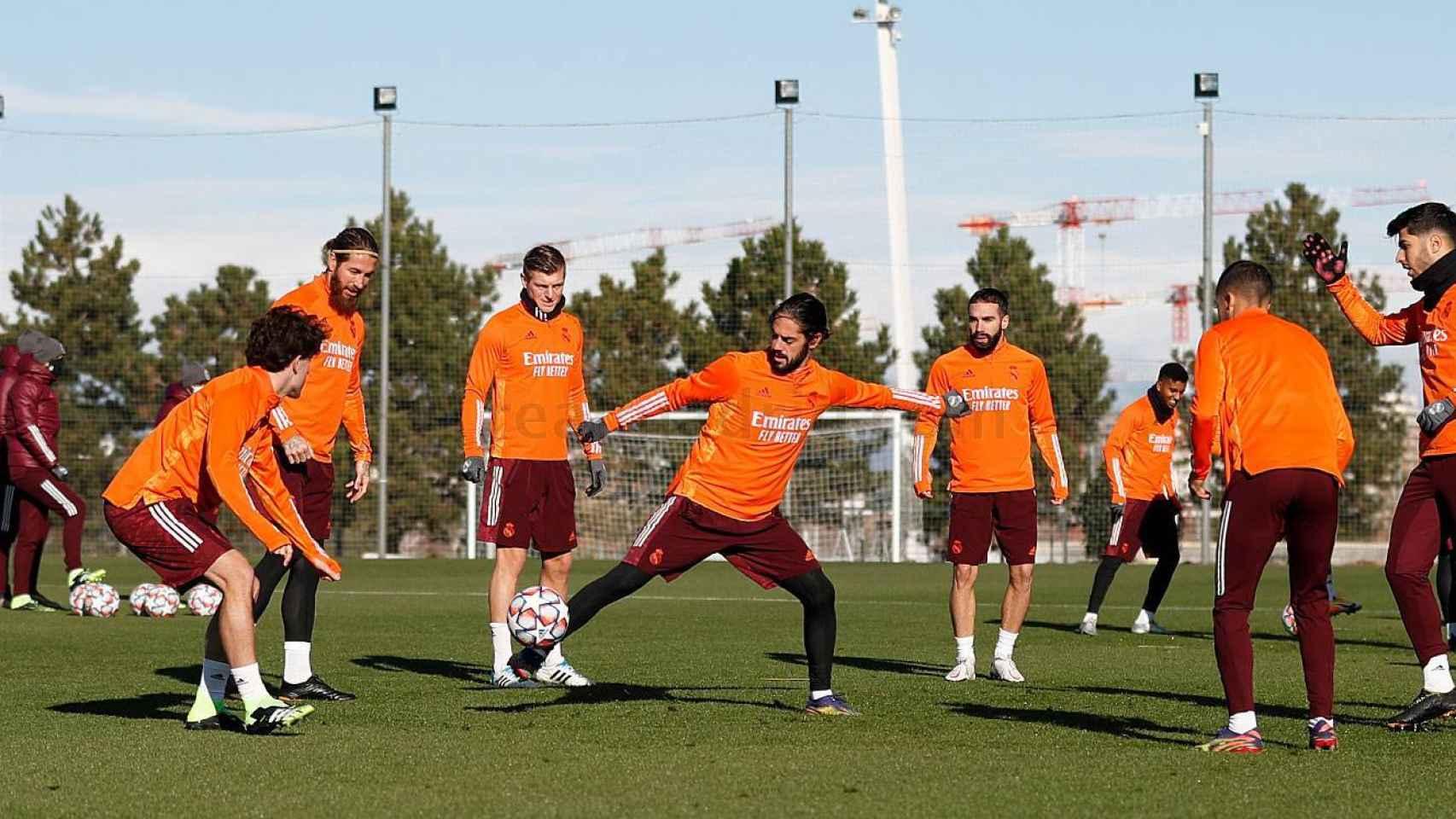 El Real Madrid se entrena antes de un partido de Champions
