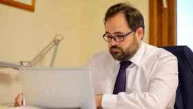 Paco Núñez, en una imagen reciente en su despacho