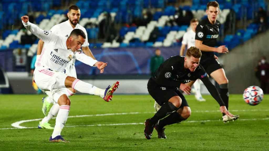 Lucas Vázquez ante el Borussia