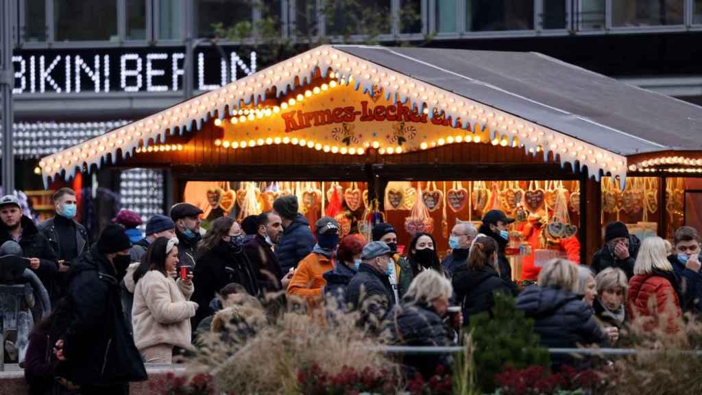 Mercado navideño en Berlín en plena pandemia de la Covid-19.