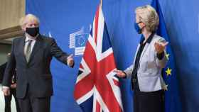 Ursula von der Leyen y Boris Johnson, durante su reunión en Bruselas este lunes
