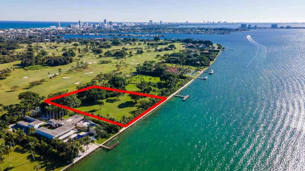 Terreno que ha comprado Ivanka Trump a Julio Iglesias en Miami a vista de pájaro,.
