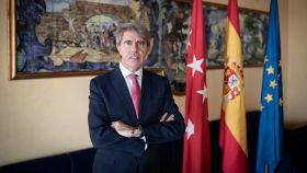 El expresidente de la Comunidad, Ángel Garrido, en un momento de la entrevista.