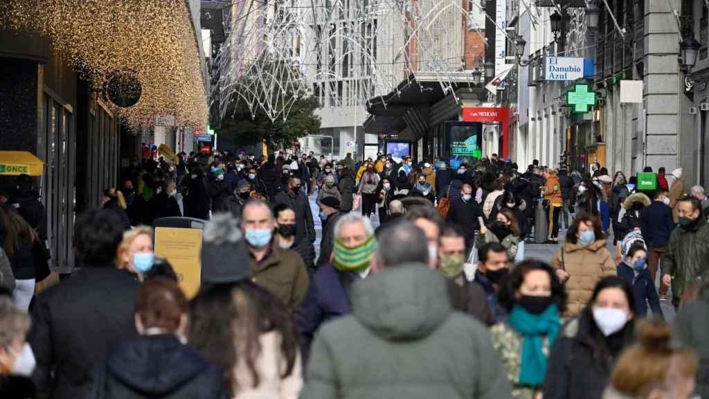 Aspecto que presentaba el sábado 5 de diciembre la madrileña calle Preciados.
