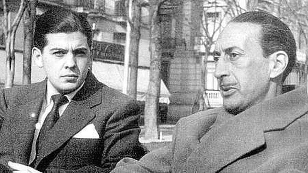 Marino Gómez-Santos, de joven, junto a César González-Ruano.